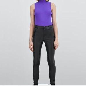 Sara faux leather leggings